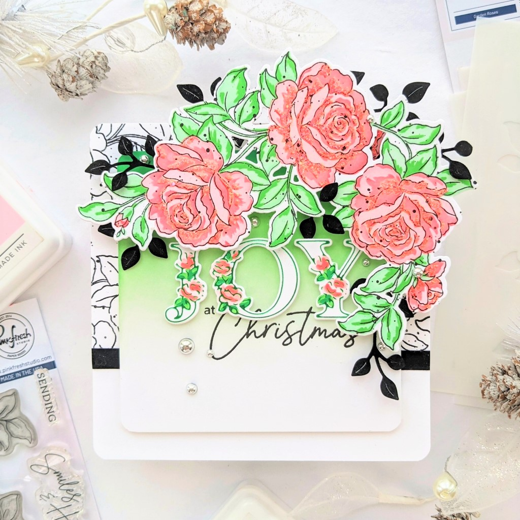 You are currently viewing Lush Garden Roses at Christmas